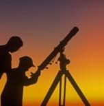 Observação do céu com Telescópio